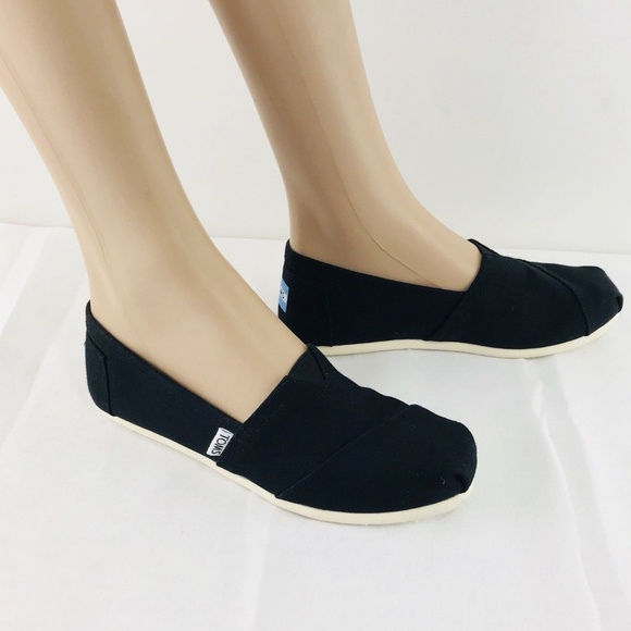 8d9342418d940 Toms Women's Classic Canvas Slip-On, Black, 6 NEW NWT